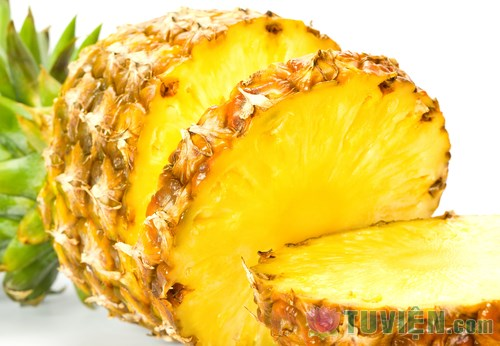 Reasons-to-Eat-Pineapple-Every-Day.jpg