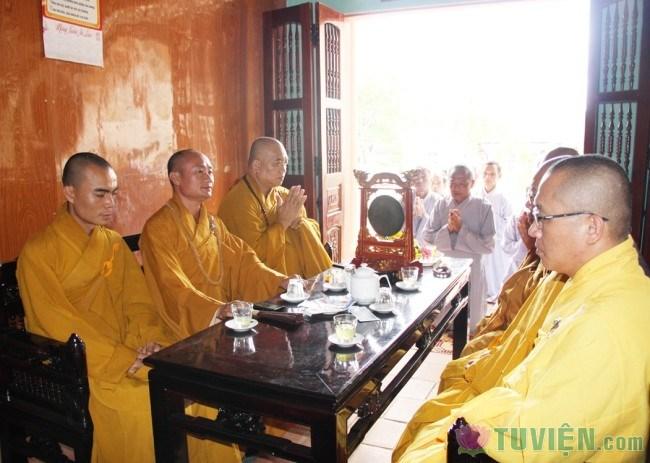 chua nhieu long huong son02.jpg