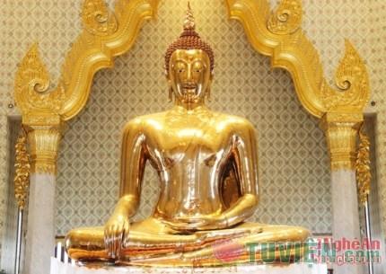 Chiêm ngưỡng tượng Phật bằng vàng nguyên khối nặng 5,5 tấn ở Thái Lan