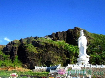 Chùa Hang - Ngôi chùa đẹp trên đảo Lý Sơn