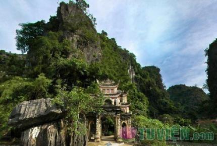 Chuyện một vị sư ở chùa Hương