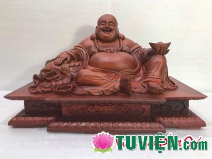 Có nên sử dụng tranh tượng Phật Di Lặc cầm vàng thỏi?