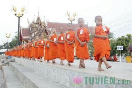 Con Đường Chính Đạo cao qúy có tám yếu tố để học Phật căn bản
