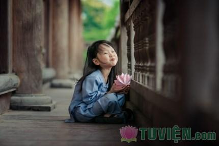 Đừng đợi con lớn mới dạy Phật pháp