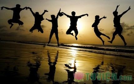 Hãy gìn giữ và thắp sáng ước mơ tuổi trẻ, dù muộn!