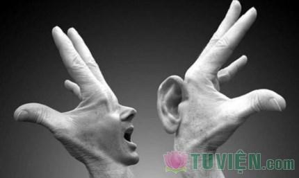 Im lặng cũng là một loại trí tuệ