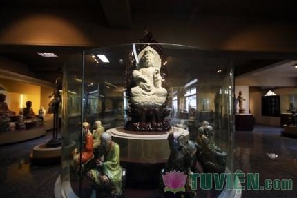 Hàng trăm cổ vật Phật giáo được trưng bày tại Bảo tàng văn hóa Phật giáo đầu tiên ở Việt Nam