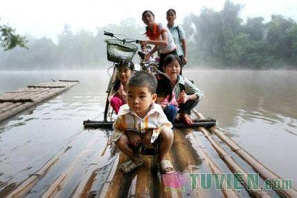 Miền Trung quê con ơi - xin mưa bão thôi qua đây