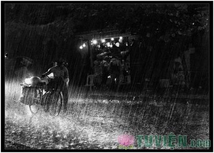 Mẹ và tiếng mưa đêm