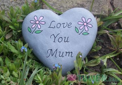 Mẹ yêu sống mãi trong lòng chúng con