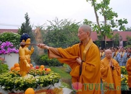 """Nghi lễ của đạo Phật - nghi lễ """"mở"""" nhưng đừng đánh mất ý nghĩa truyền thống"""
