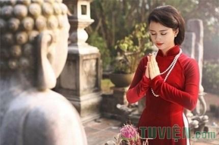 Những trang phục tuyệt đối không mặc khi đi chùa