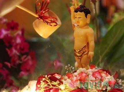 Những điều phải suy ngẫm mùa Phật đản 2561