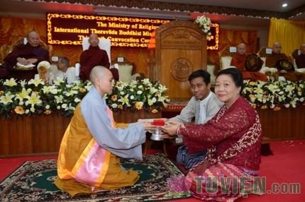 Ni Sinh Việt Nam Đạt Thủ Khoa Tốt nghiệp Đại Học tại Myanmar