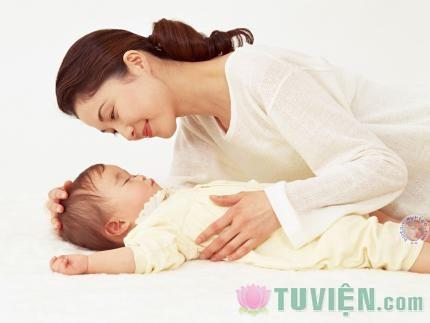 Dòng sữa của mẹ - suối nguồn của tình yêu