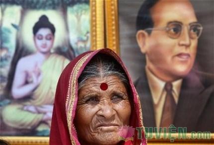 Tại sao đổi từ Ấn Độ Giáo sang Phật Giáo lại là chuyện trọng đại