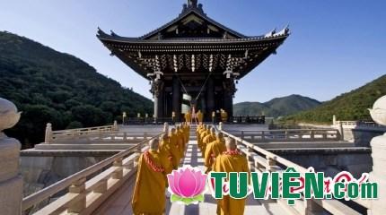 Tại sao lại có sự khác biệt trong hệ thống chùa chiền ở các miền?