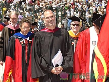 Ba câu chuyện đáng suy ngẫm về triết lý sống của Steve Jobs