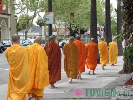 Tìm hiểu y phục Phật giáo Nguyên Thủy Nam Tông Việt Nam