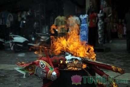 6 tội lỗi lớn nhất mà người Việt đang mắc phải khi đốt vàng mã