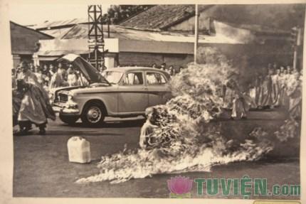 Lần đầu công bố ảnh về cuộc đấu tranh chống đàn áp Phật giáo 1963