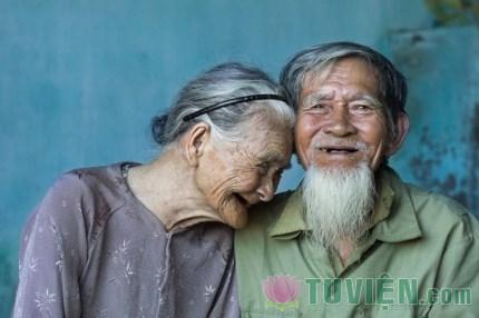 Tuổi chớm già: nhìn lại một quãng đường