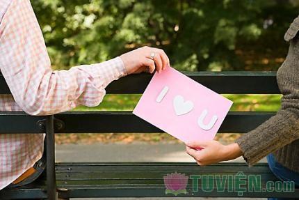 Vì sao ta cứ làm mọi cách để có được tình yêu?