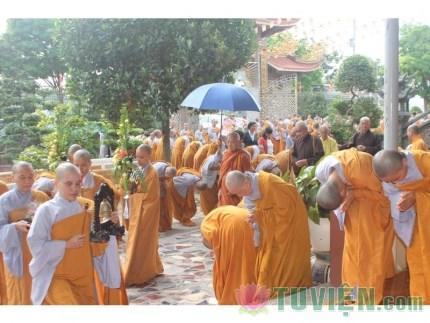 Xin đừng trần tục hóa chốn Thiền môn
