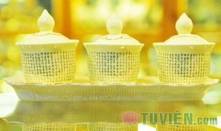 Ý nghĩa của việc cúng nước trên bàn thờ Phật